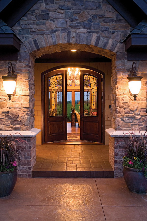 -Mediterranean-Patio-Entry