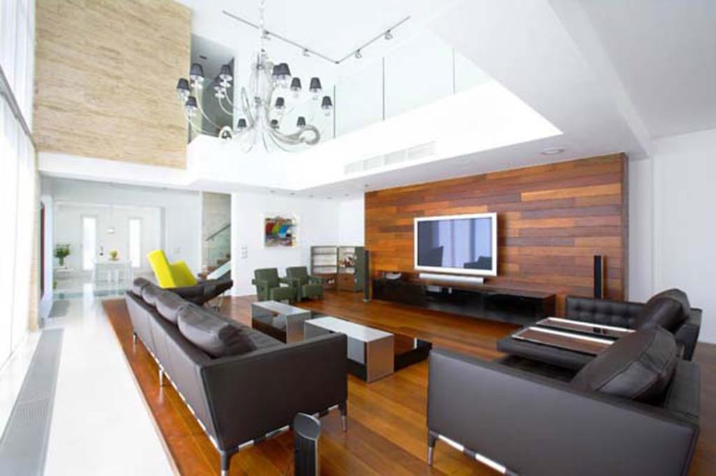 black-leather-sofa-living-room