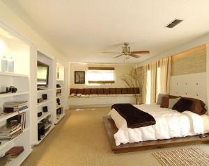 25 Wallpaper Ideas For Master Bedroom
