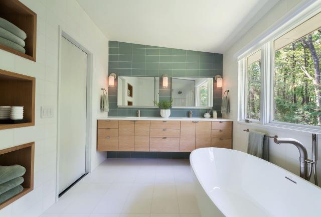 mid-century-modern-bathroom-lighting-640x432