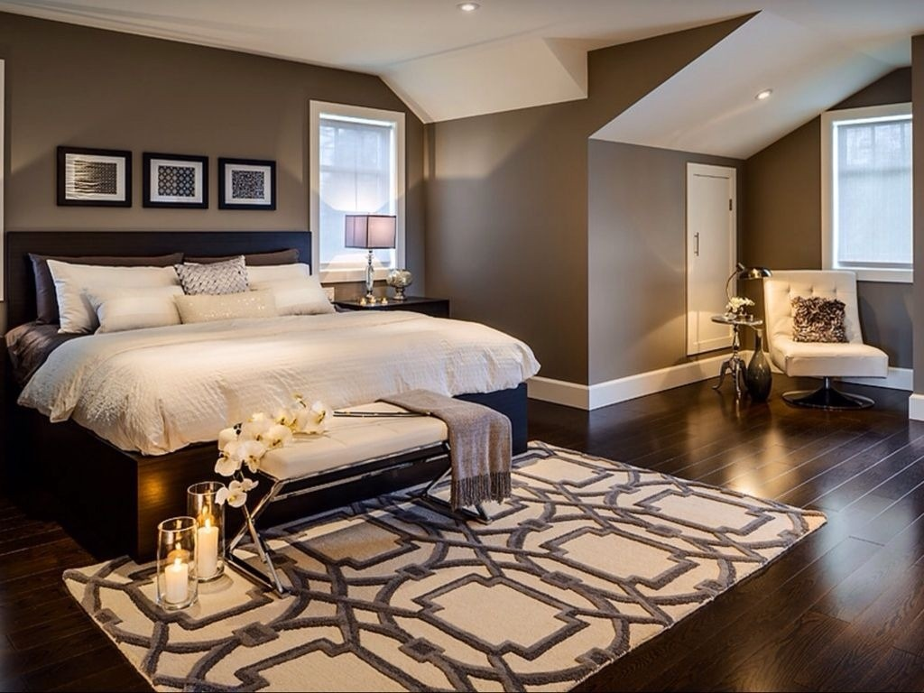 modern-master-bedroom-with-wood-ceiling-