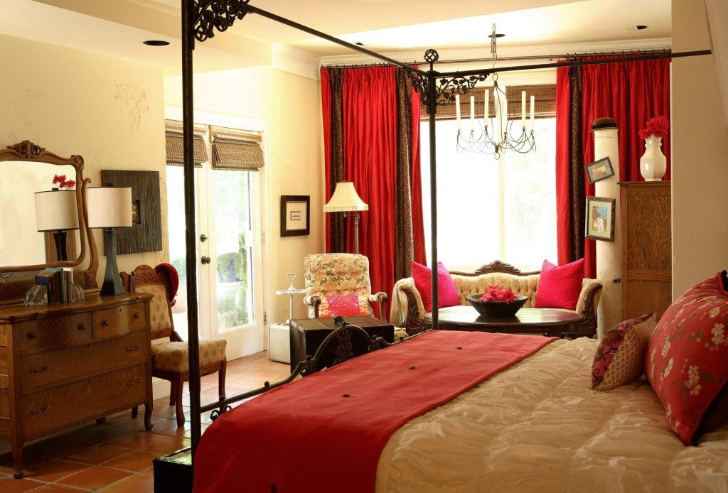 traditional-pink-master-bedroom-idea