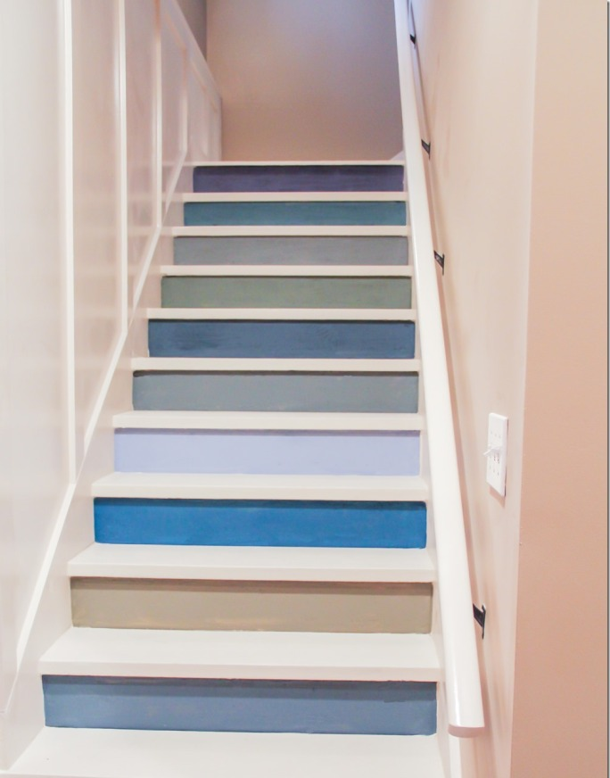 Colorful-painted-staircase-idea_thumb