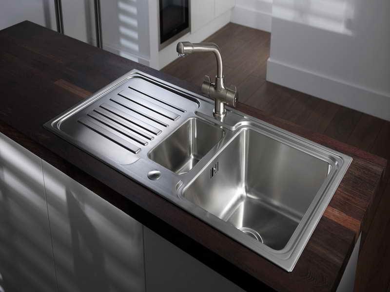 Kitchen-Sink-Designs-in-Wooden-Table