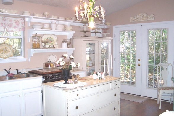 Shabby-Chic-White-Kitchen-Heaven