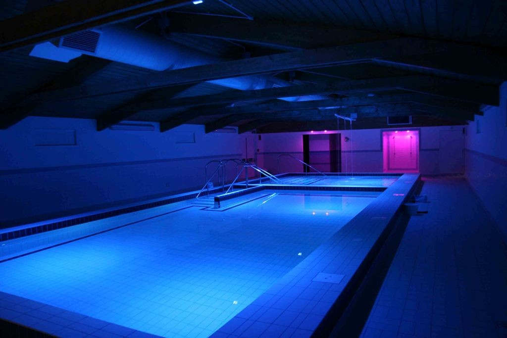 indoor swiming pool lighting