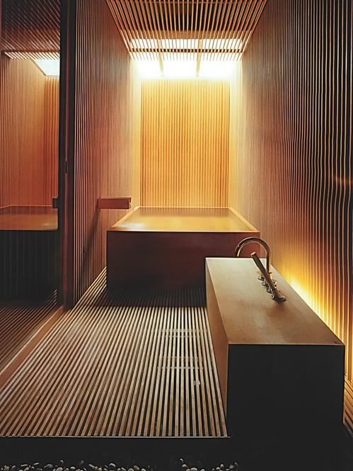 stylish-and-cozy-wooden-bathroom-designs-