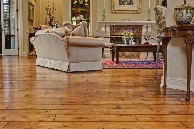 wood-floor-living-room-wood-floor-traditional-living-room