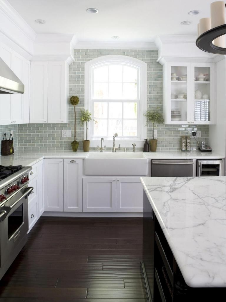 Absorbing-Marble-Countertops-for-White-Kitchen-Ideas-