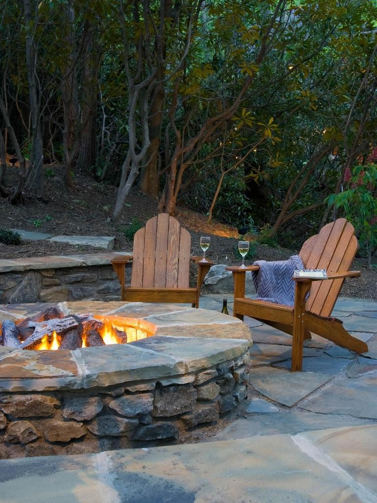 Designs-gray-contemporary-outdoors-fire-pit_