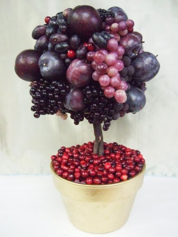 Fruit-Topiary-decorations-for-party