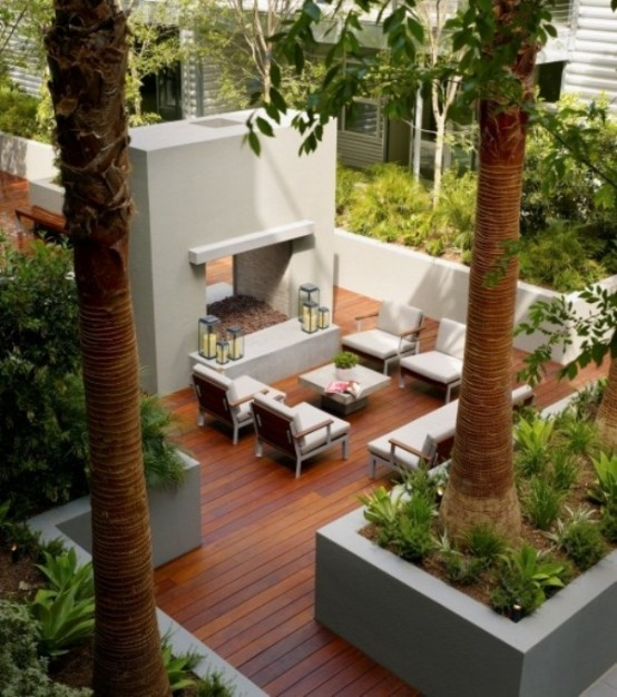 Outdoor-Dining-Space-with-Original-Table-and-Chairs-Design-Ideas_