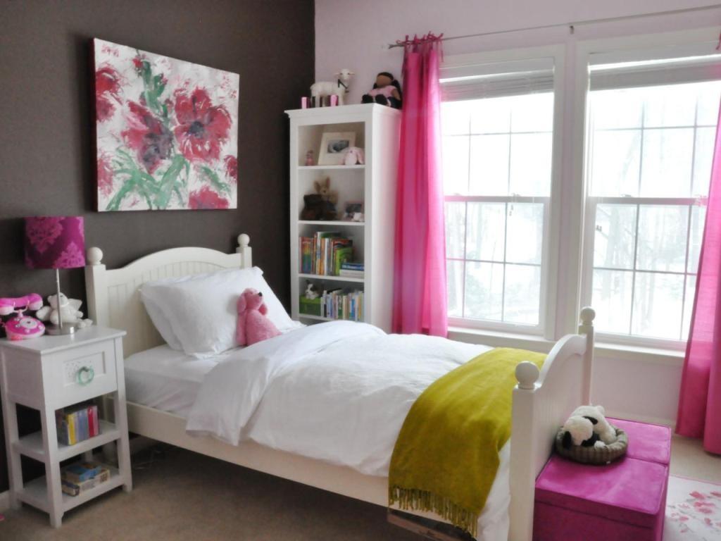 RMS_wenbenoit-chocolate-brown-hot-pink-girls-bedroom