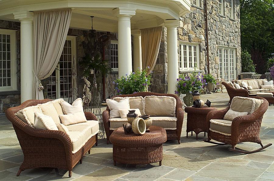 Traditional-Wicker-Furniture-Design