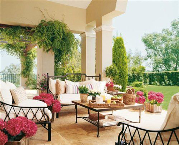 beautiful-outdoor-living-space
