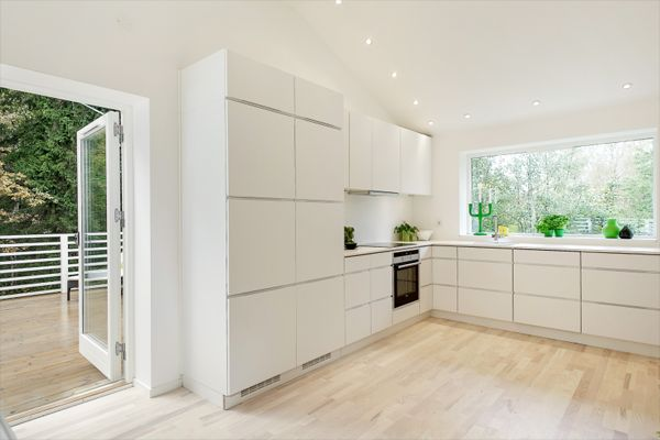 modular-white-kitchen