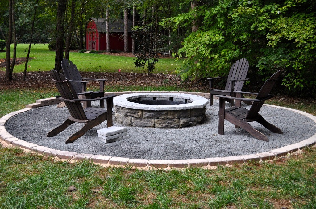 15 Stunning Outdoor Fire Pits Designs