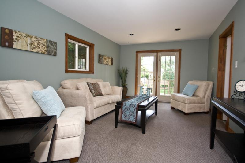 paint-color-ideas-for-family-room-