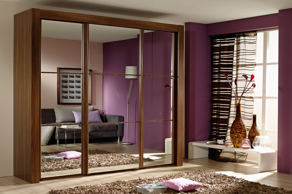 sliding-wardrobe-doors-with-mirrors