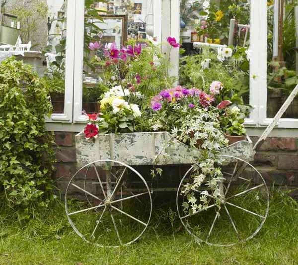 superior-antique-garden-decor-1-vintage-garden-decorating-ideas-
