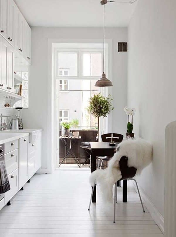 white-scandinavian-kitchens
