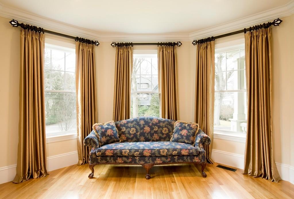 window-curtains-for-minimalist-living-room-showcasing-velvet-materials-