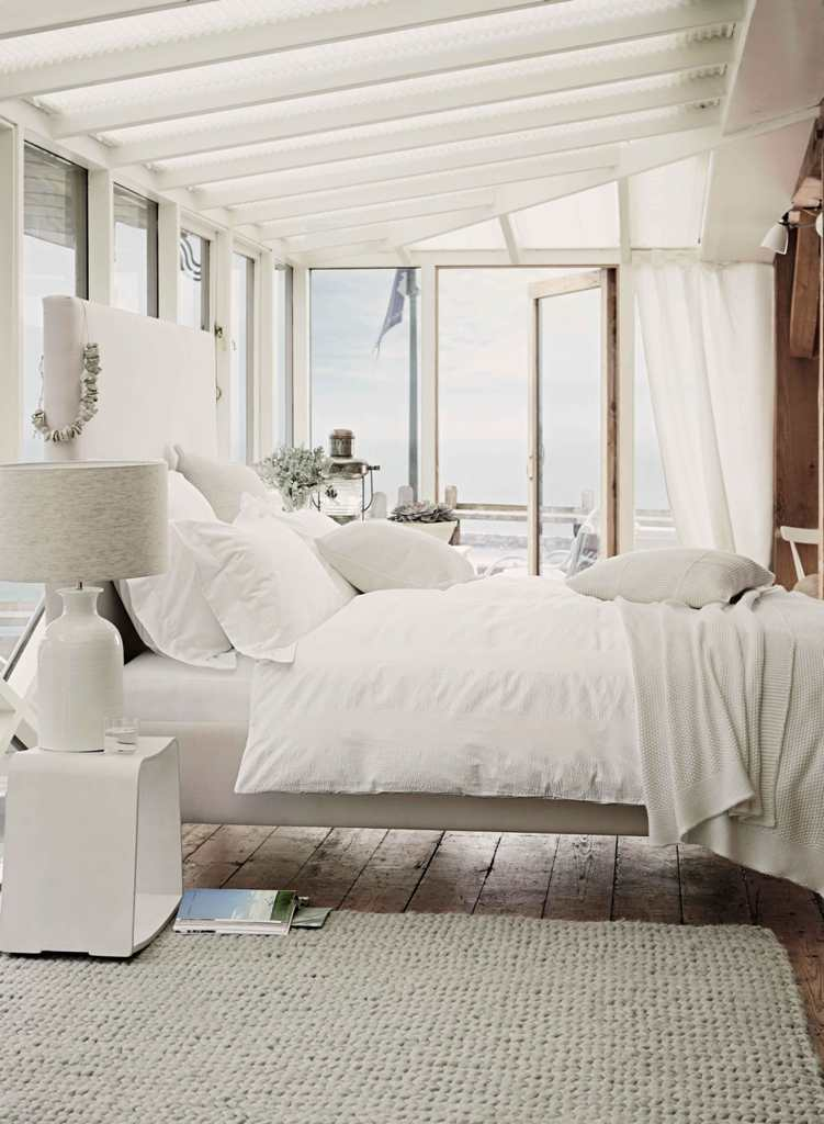 Country-Days-Country-Room-white-bedroom