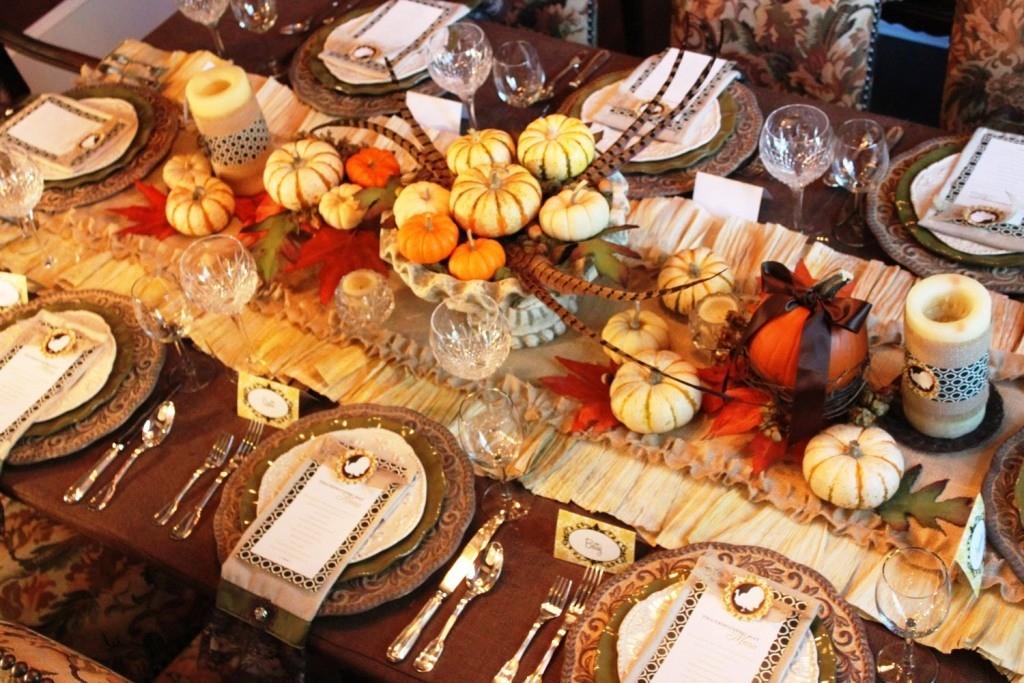 shindig-thanksgiving-table-runner