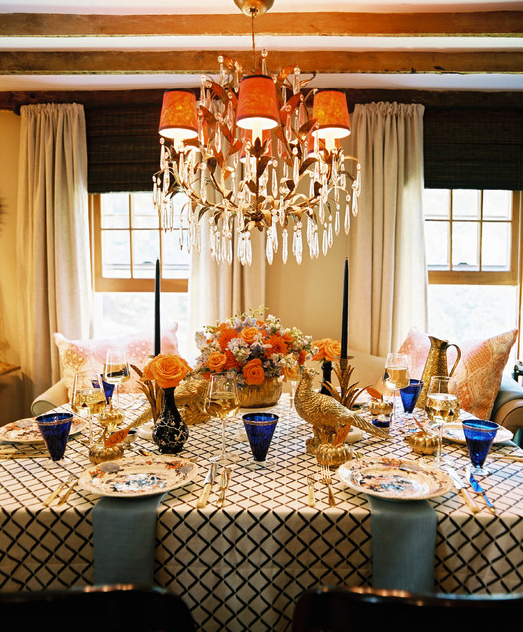 thanksgiving-table-setting-gold-blue-stunning-eddie-ross