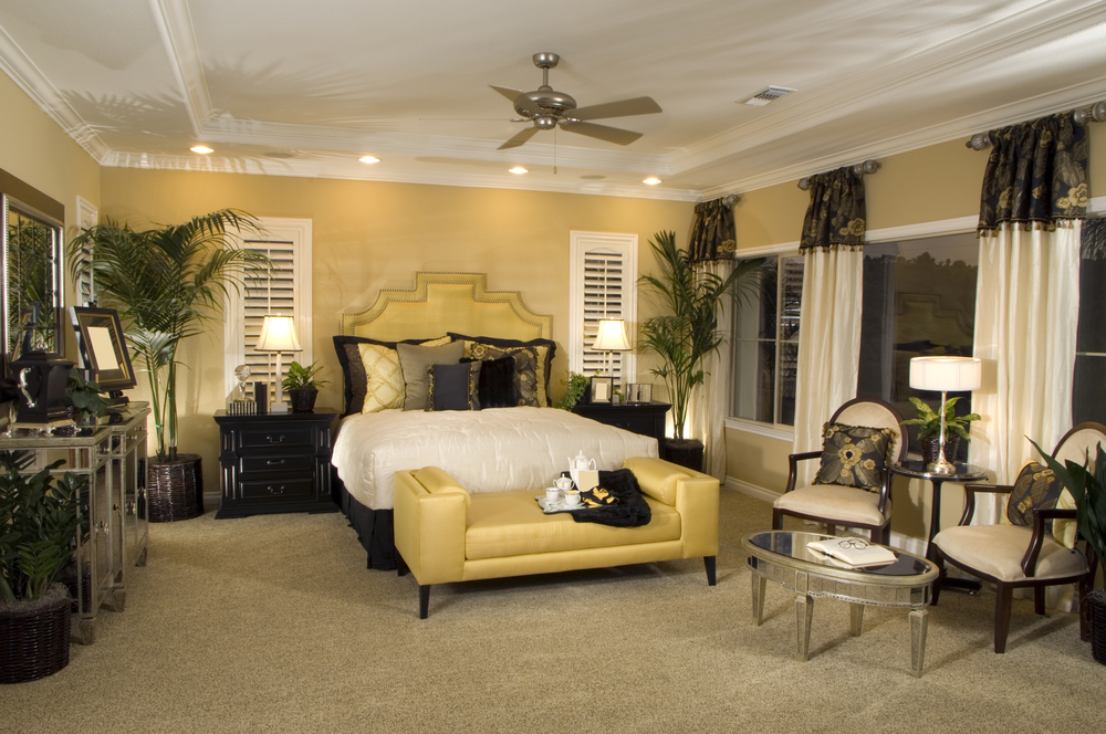 Cheerful bedroom design in yellow