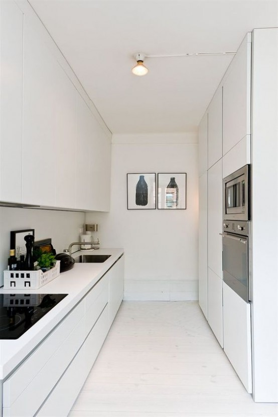 stylish-and-functional-narrow-kitchen-design-ideas
