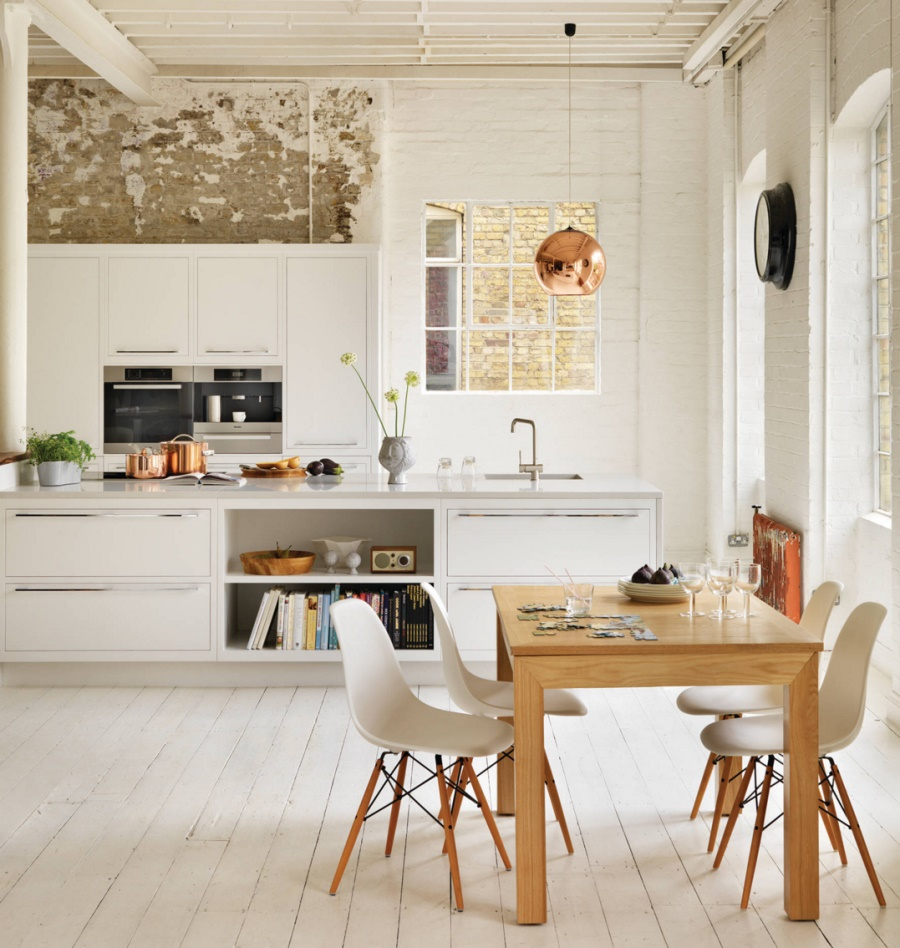 Copper-and-stainless-steel-in-an-airy-modern-kitchen