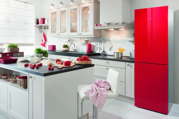 Wood with bright kitchen colors