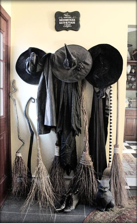 Witches & Broomsticks Entryway Decoration