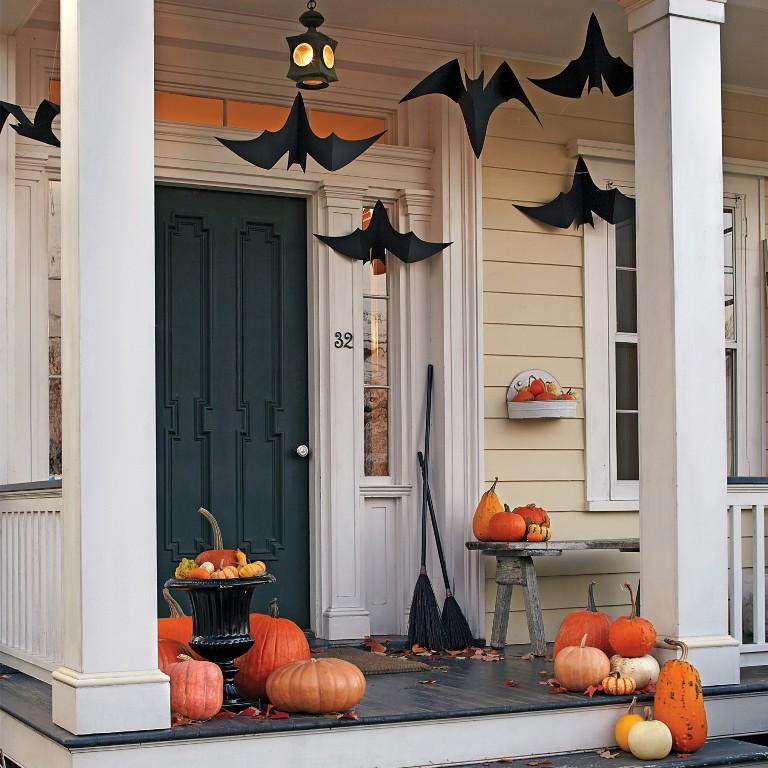 Classy Porch Halloween Decorations