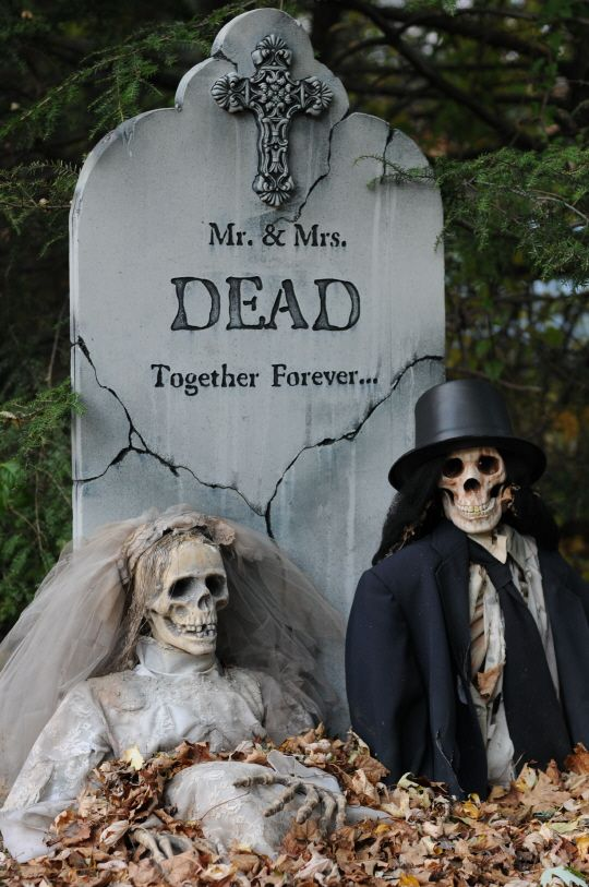 Funny Mr & Mrs Skeleton Tombstone