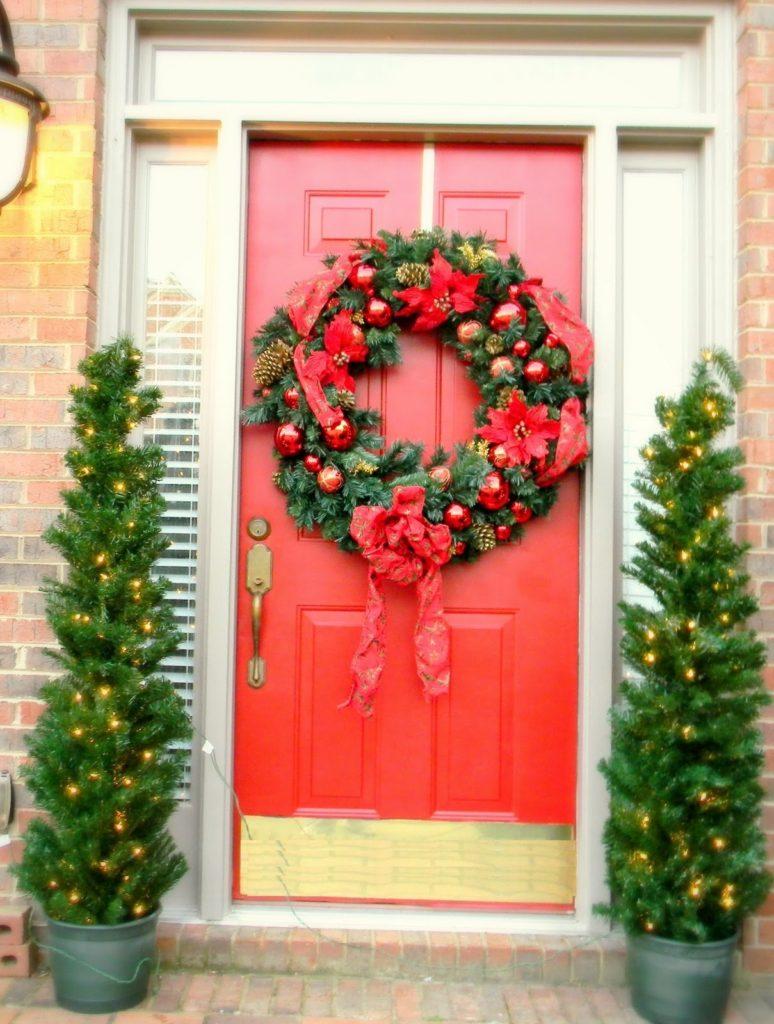 christmas-decorations-front-door-ideas-1