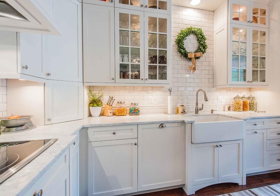 victorian-kitchen-christmas-wreath-decoration