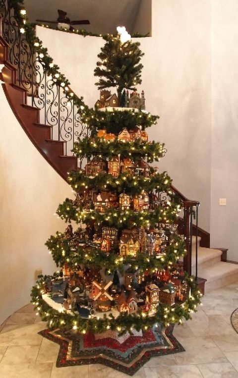 christmas-decoration-on-stair-case
