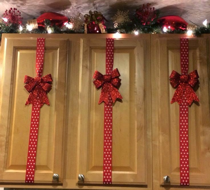 decorated-christmas-kitchen-cabinet