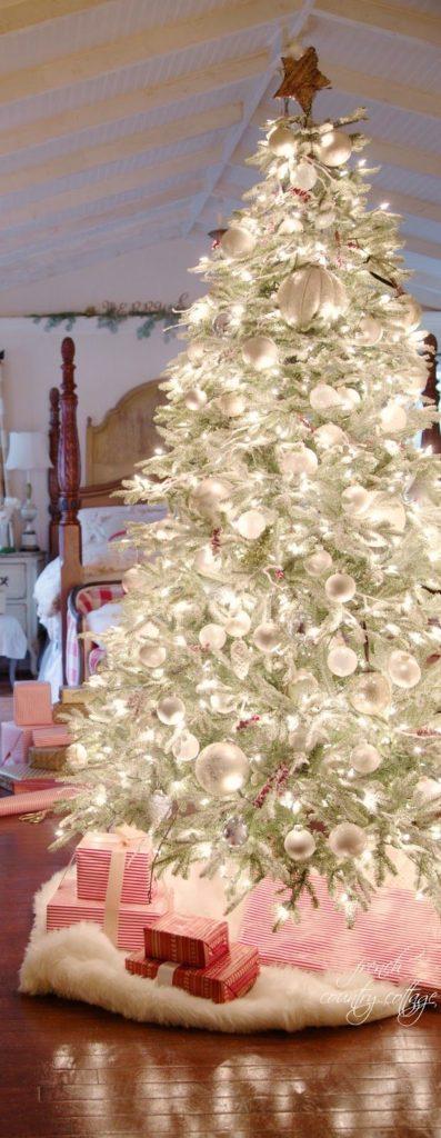 elegant-christmas-trees-decoration-ideas-17