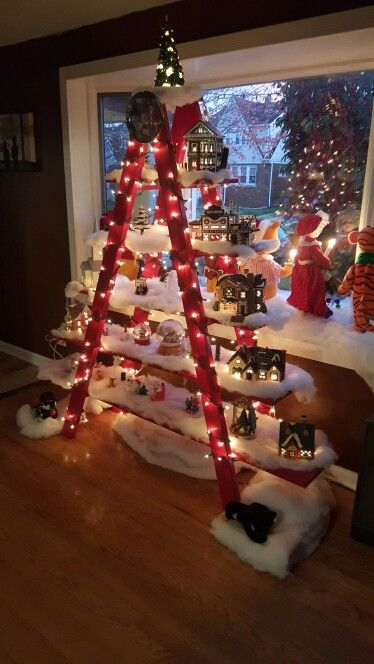 wonderful-christmas-decos-on-red-ladder