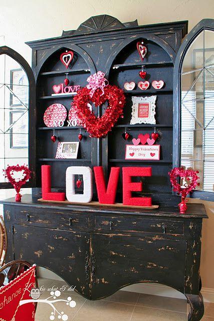 fresh-red-valentines-day-decoration-ideas-10