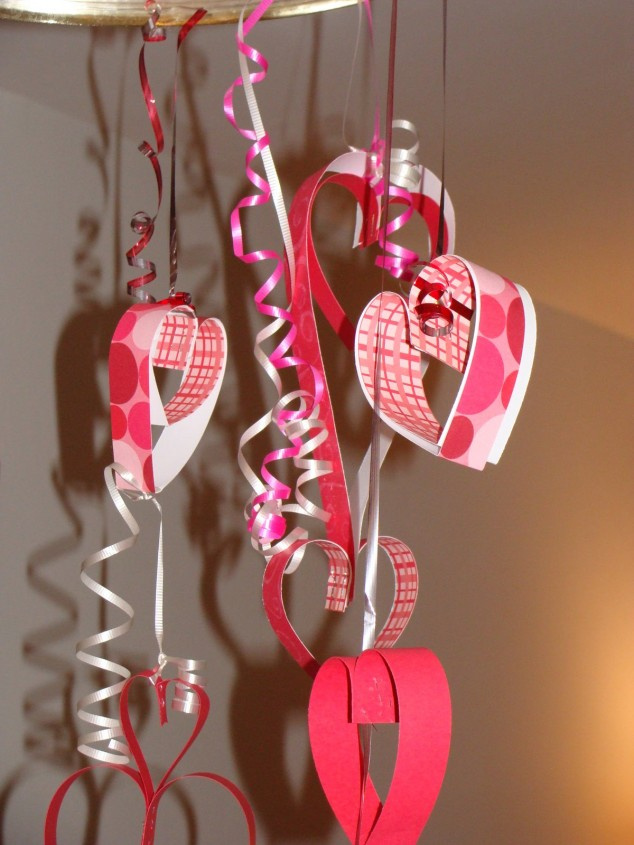 hanging-paper-hearts