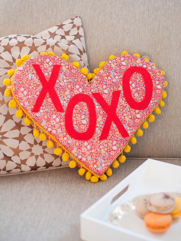 heart-shaped-phrase-pillow