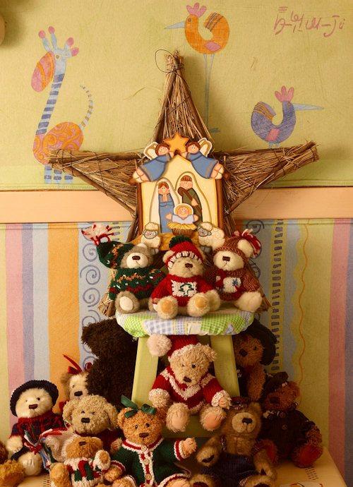 kids-room-christmas-decor-ideas-23