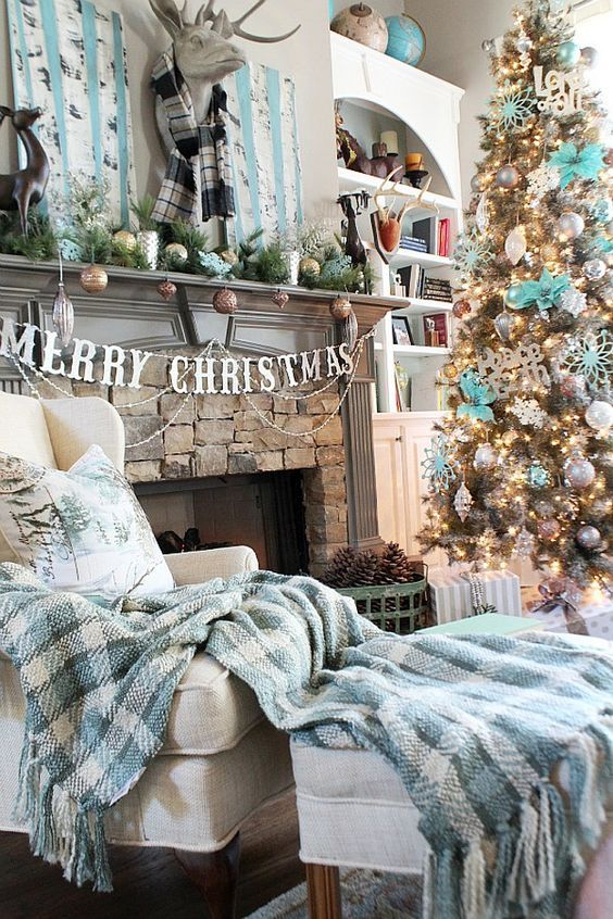living-room-with-turquoise-christmas-tree