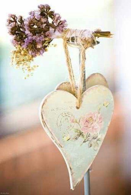 shabby-chic-valentines-decorations-26