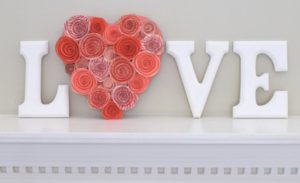 31 Unique Outdoor Valentine Decor Ideas