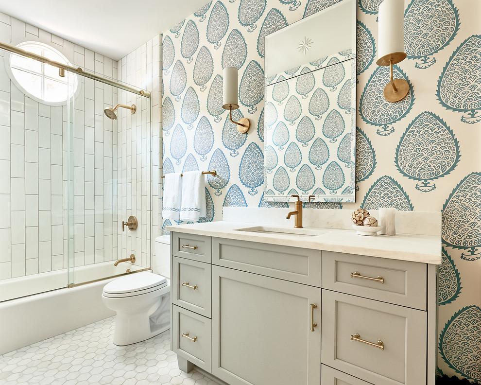 Beach-Style Master Bathroom